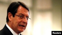 Tổng thống Chypre Nicos Anastasiades nói rằng Chypre không hề có ý định từ bỏ đồng euro.