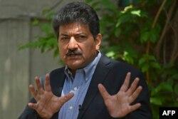 حامد میر پاکستان میں صحافیوں پر نامعلوم افراد کی جانب سے تشدد کے خلاف احتجاج کر رہے ہیں۔ 26 مئی 2021
