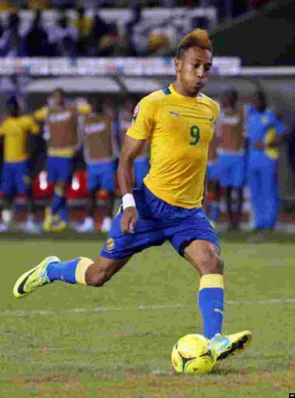 Gabon's Pierre Aubameyang takes his penalty-kick in the penalty shootout during their African Cup of Nations quarter-final soccer match against Mali at the Stade De L'Amitie Stadium in Gabon's capital Libreville, February 5, 2012.