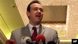Juru bicara Koalisi Nasional Suriah, Khalid Saleh menegaskan bahwa oposisi menuntut mundurnya Presiden Bashar al-Assad sebagai syarat solusi konflik Suriah (foto: dok).