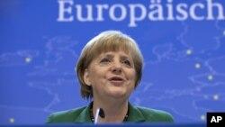 Angela Merkel anunció que se crearán las bases para la creación del Supervisor Bancario Único para fin de año.