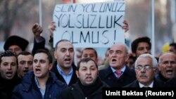 Ankara'da düzenlenen ve hükümetin protesto edildiği bir gösteri