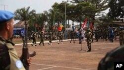 Une parade des casques bleus à Bangui, Centrafrique