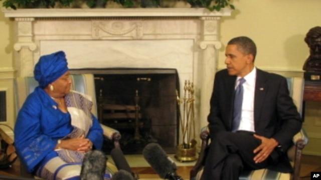 Liberian President Ellen Johnson Sirleaf with President Barack Obama (file photo).