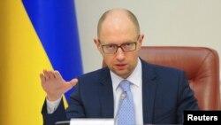 آرسنی ياتسنيوک، نخست وزير اوکراین