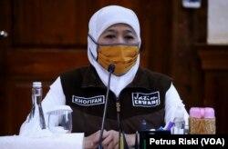 Gubernur Jawa Timur Khofifah Indar Parawansa. (Foto: VOA/Petrus Riski)