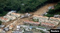 Tanah longsor yang menyapu daerah permukiman di Asaminami, Hiroshima di Jepang bagian barat (20/8).