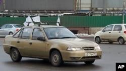 2月19日莫斯科舉行反普京汽車駕駛活動