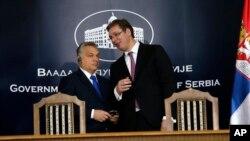 Premijeri Srbije i Madjarske Aleksandar Vučić i Viktor Orban pre konferencije za medije u Nišu, 21. oktobra 2016.