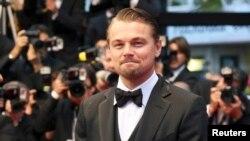 Aktor Leonardo DiCaprio tiba di tempat penayangan film 'The Great Gatsby' yang menjadi pembuka Festival Film Cannes ke-66 (16/5). (Foto: Reuters)