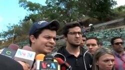 Estudiantes venezolanos protestan por violencia