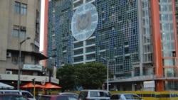 """Governador do Banco de Moçambique alerta para """"ambiente de riscos"""""""