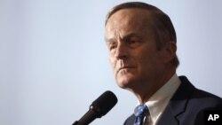 Tanto Mitt Romney como Paul Ryan han pedido ya al candidato al Senado que retire su candidatura por la polémica.