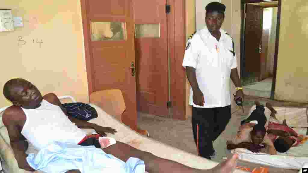 Wani majinyacin harin bom din da aka kai a Maiduguri a asibiti 16, ga Oktoba 2015.