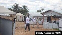 Dans un centre de traitement Ebola à Beni en RDC, le 14 octobre 2018. (VOA/Charly Kasereka)