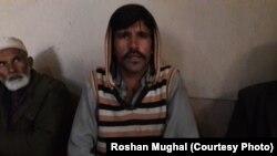 کنٹرول لائن پر گولہ باری سے ہلاک ہونے والے مزدور سدھیر کے بھائی محمد سفیر۔