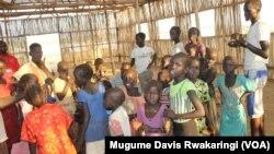 Anak-anak di kamp pengungsi PBB di Juba, Sudan Selatan. (Foto: Dok)