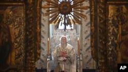 Патриарх Варфоломей проводит пасхальное богослужение. Стамбул, 19 апреля 2020 г.