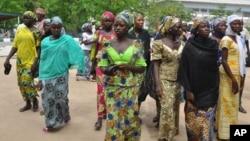 Wasu daga cikin 'yan matan Chibok da suka tsere daga hanun 'yan boko haram da suka yi garkuwa da su