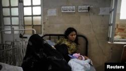 آبادی میں اضافے کے باعث پاکستان میں صحت کے مسائل بھی بڑھ رہے ہیں۔
