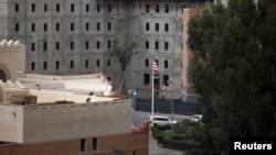 Kedutaan Besar AS di Sana'a, Yaman (7/8). (Reuters/Mohamed al-Sayaghi)