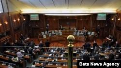 Skupstina Kosova usvojila je nakon petočasovne rasprave rezoluciju o normalizaciji odnosa sa Srbijom.