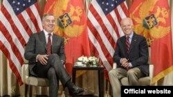 Premijer Crne Gore MIlo Đukanović i potpredsednik SAD Džozef Bajden tokom susreta u Minhenu