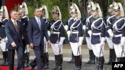 Президент США Барак Обама и президент Португалии Анибал Каваку в Лиссабоне