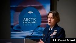 美國海警隊費根中將2019年4月26日出席一個活動(美國海警隊照片)
