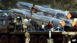 Phi đạn BrahMos được thiết kế bởi các khoa học gia Ấn Độ và Nga