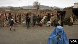 Durante el invierno, los combatienes del Talibán suelen mezclarse con la población local o huyen a Pakistán.