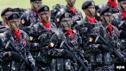 Binh sĩ Philippines diễu hành trong buổi lễ kỷ niệm 119 năm ngày thành lập Lục quân Philippines tại Fort Bonifacio, thành phố Taguig, phía nam Manila, ngày 22/3/2016.
