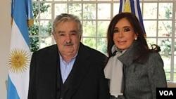 """El presidente de Uruguay envió un """"saludo especial a su querida amiga presidenta Cristina Fernández de Kirchner""""."""