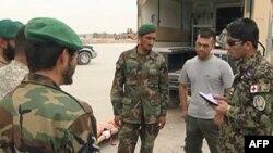 Pripadnici avganistanskih snaga bezbednosti polako preuzimaju kontrolu posle obuke pod nadzorom NATo snaga