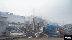 Foto yang dirilis oleh TEPCO memperlihatkan genangan air di kompleks PLTN Fukushima, Kamis (14/4).