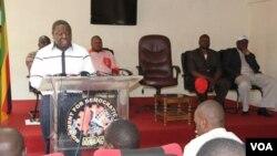 UMnu. Morgan Tsvangirai wethula umbiko wakhe.