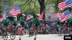 美國人慶祝獨立紀念日遊行