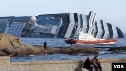 Carnival informó que consultará a un panel de expertos en respuestas de emergencia para revisar las circunstancias del accidente del crucero.