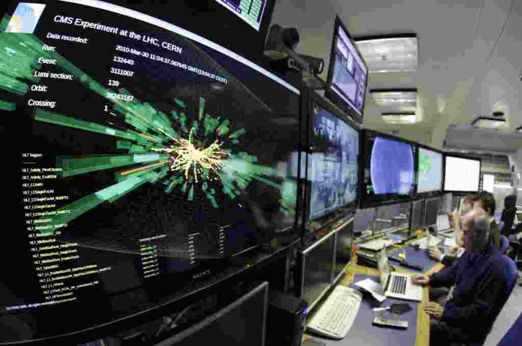 La Organización Europea de Investigación Nuclear (CERN) muestra un gráfico de un choque de unas partículas con el Gran Colisionador de Hadrones a plena potencia.
