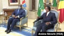 Le président de la RDC Félix Tshesekedi et son homologue de la République du Congo, Denis Sassou N'Guesso, ont conféré le 16 juillet 2020 à Brazzaville. (VOA/Arsène Séverin)