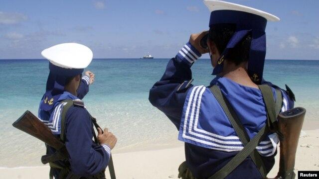 Hải quân Việt Nam tuần phòng ở quần đảo Trường Sa