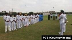 کھلاڑیوں کی جانب سے کرکٹر عبدالقادر کو خراج عقیدت پیش کیا جارہا ہے