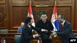 Ministri Srbije, Hrvatske i Slovenije posle potpisivanja sporazuma o osnivanju zajedničkog železničkog preduzeća 30. jula 2010.