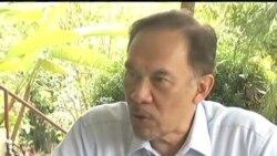 2012-01-09 粵語新聞: 馬來西亞法庭判決安瓦爾雞姦罪名不成立