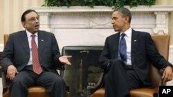 صدر آصف زرداری 14 جنوری 2010 کو صدر اوباما کے ساتھ وائٹ ہاؤس میں۔