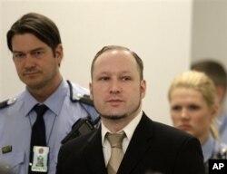 Anders Behring Breivik, terdakwa pelaku pembantaian di Norwegia hadir dalam sidang di Oslo, Norwegia (Foto: dok).