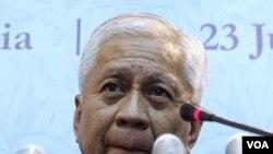 Menlu Filipina Albert Del Rosario (foto:dok).geram membaca komentar mantan Dubes AS Kristie Kenney di WikiLeaks.