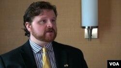 US Asean Business Council ရဲ႕ ျမန္မာႏိုင္ငံဆိုင္ရာ ဒါ႐ုိက္တာ Anthony Nelson (ဓာတ္ပံု - ဗြီအိုေအျမန္မာပိုင္း)