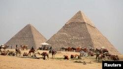 مصر کے قدیم تاریخی اہرام، فائل فوٹو