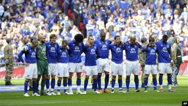 Klub Everton naik satu peringkat ke tempat keempat setelah mencetak dua gol dalam babak kedua untuk melanjutkan rekor tak terkalahkan di stadion Goodison Park musim ini (Foto: dok).